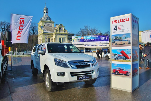 ISUZU _Holiday World 2016 7