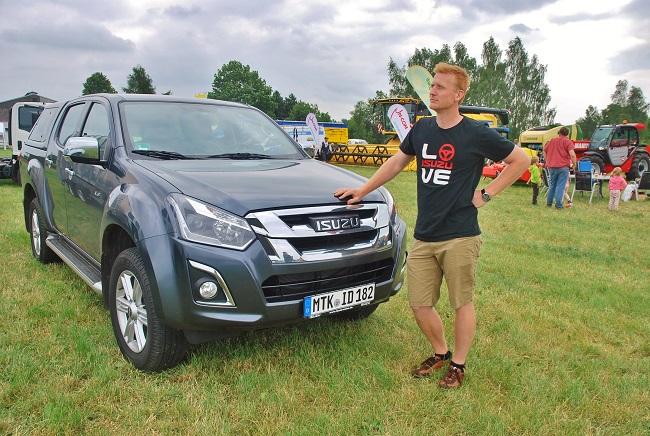 František Voříšek představil v Sobotce nový ISUZU D - MAX Double Cab Premium + (foto: Zdeněk Nesveda)